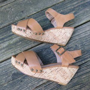 ALDO Tan Leather Platform Sandals size 7